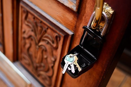 15 Best Key Lock Boxes To Keep Your Valuables Safe