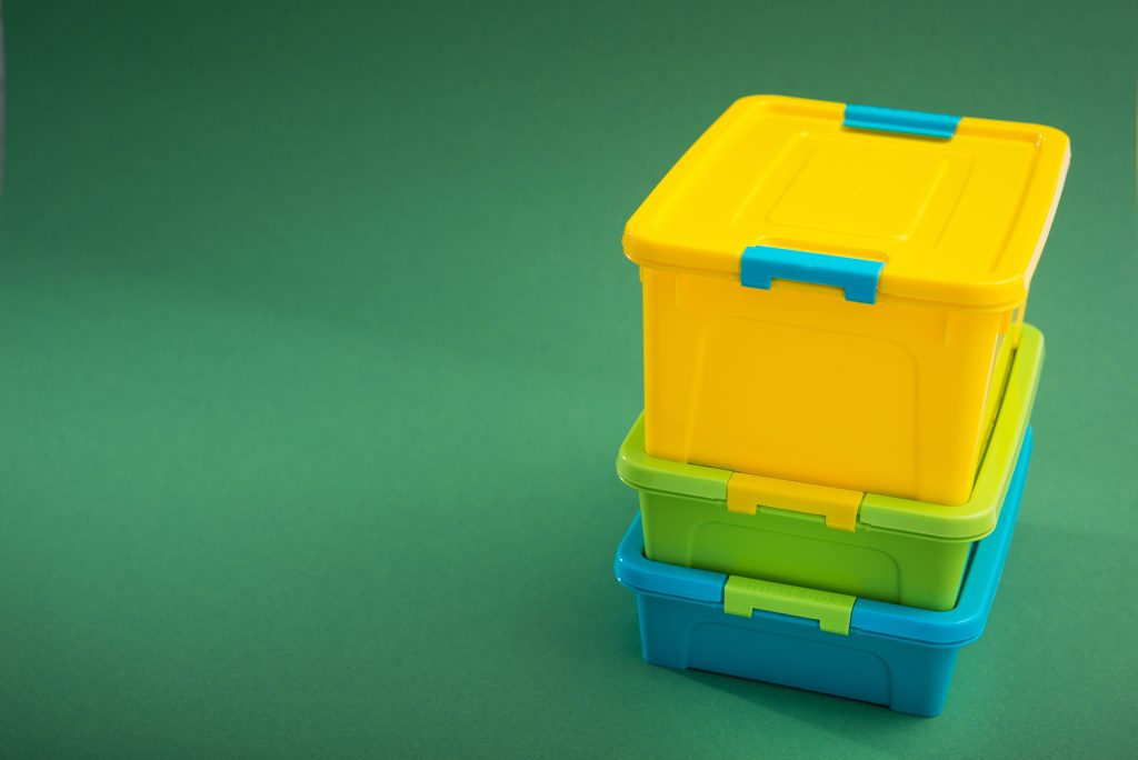 Plastic container bin
