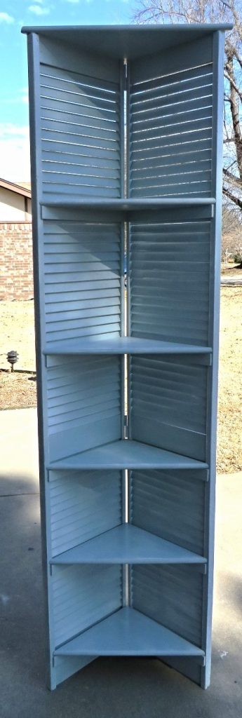DIY shutter corner shelf
