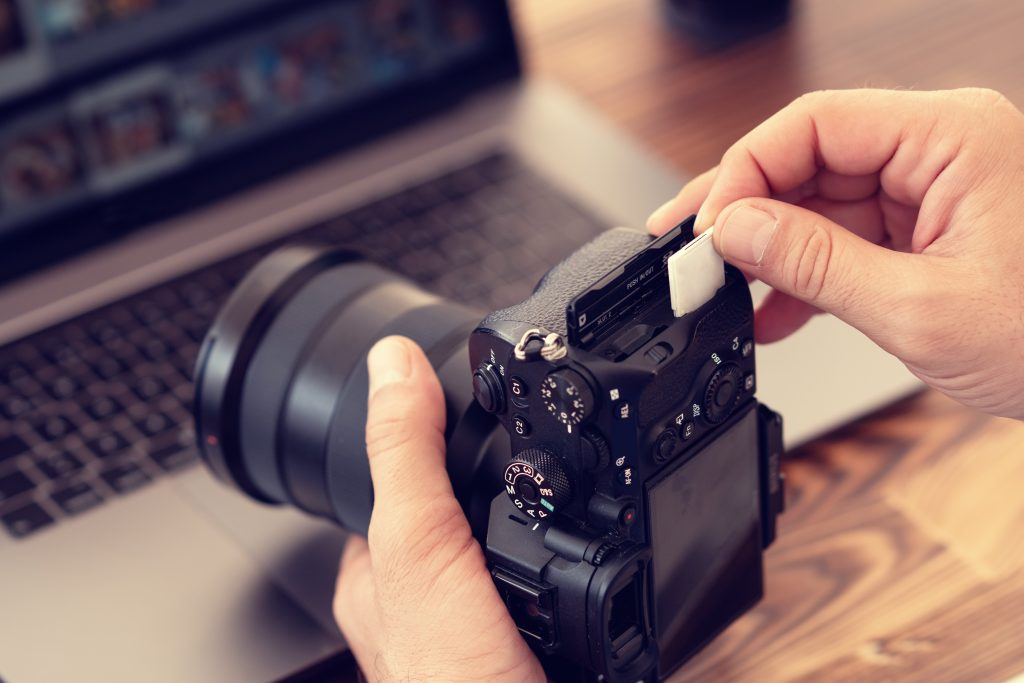 10 Best Camera Memory Card Brands To Go For