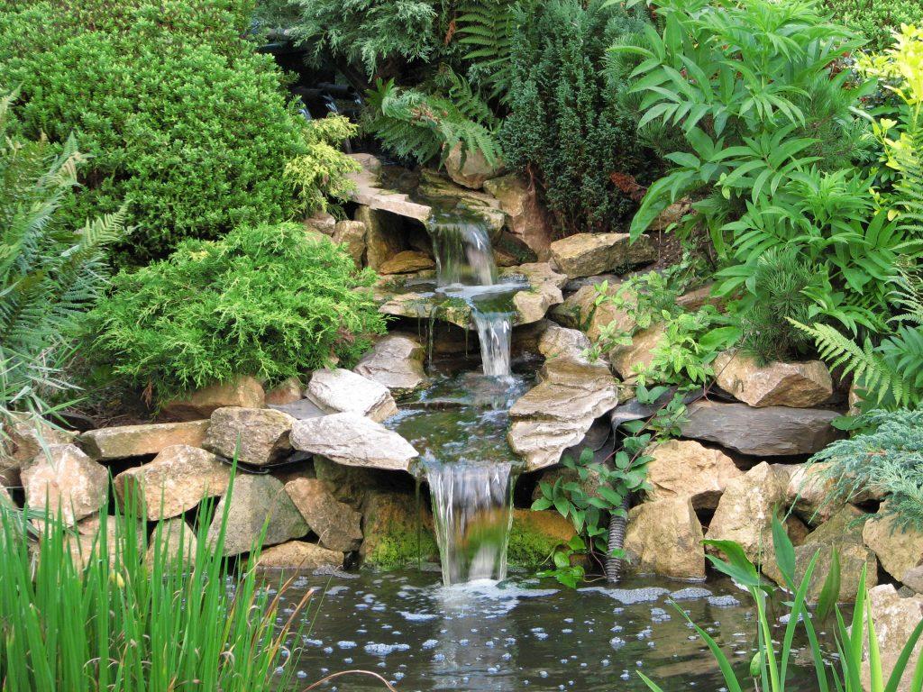 Wasserfall-Felsengarten