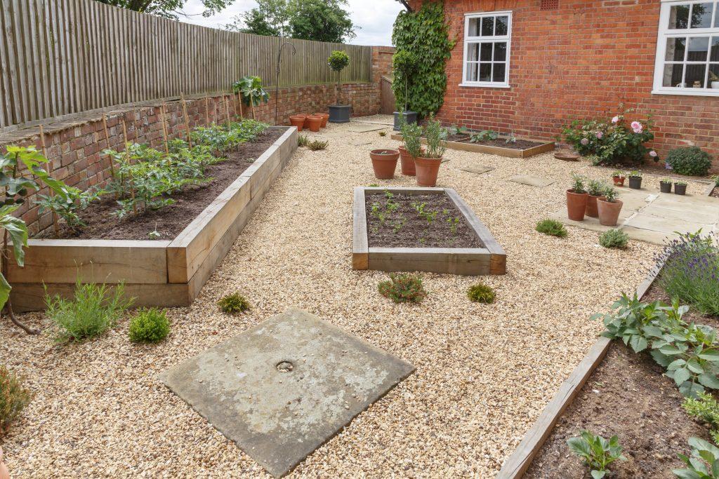 affordable landscape garden ideas