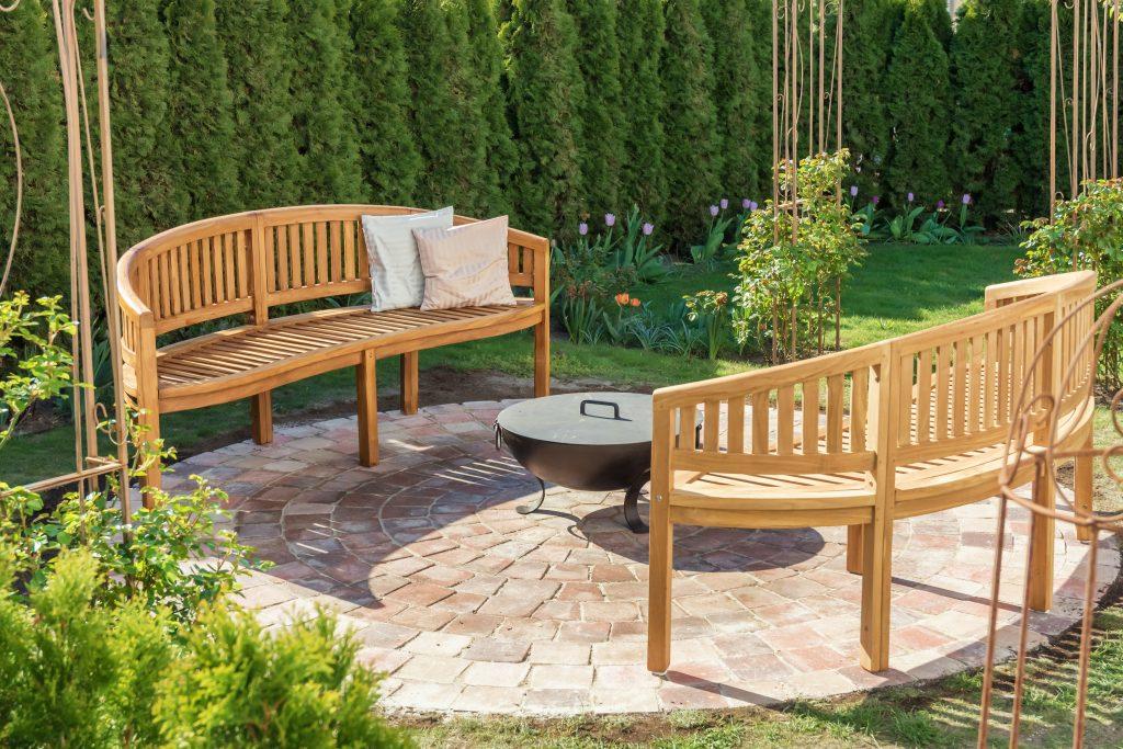 cozy garden idea
