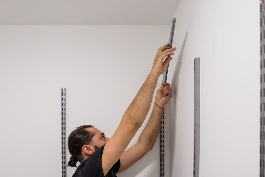 dvd-shelves-installation-stes