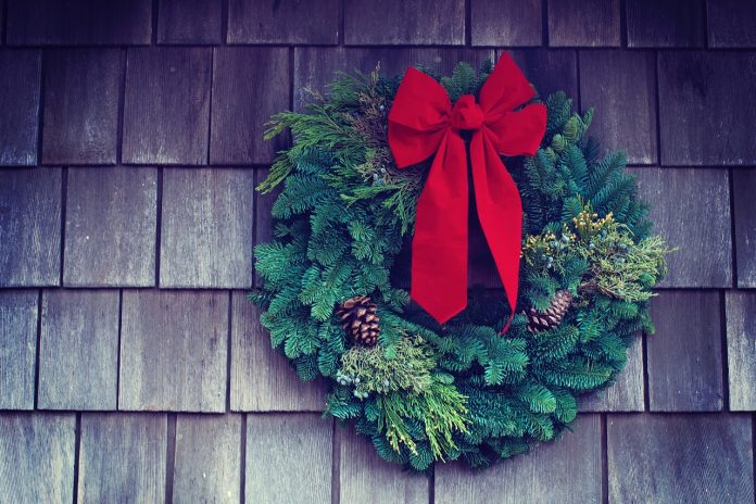 7 Best Christmas Wreaths To Make Your Front Door Look Festive