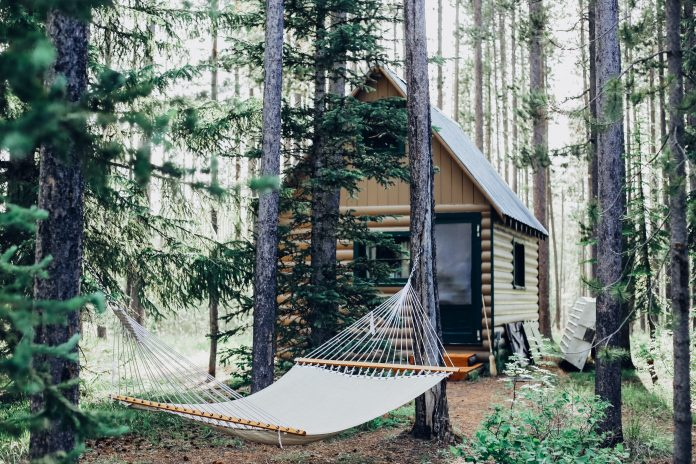 8 Cool Hammock Ideas For Any Backyard