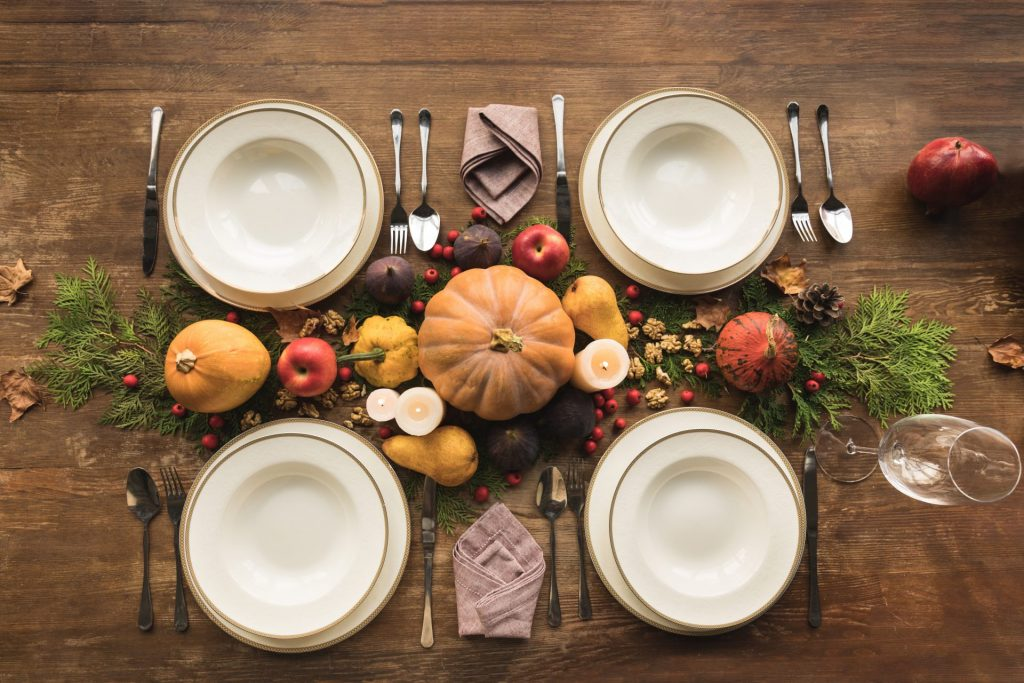 A-display-of-pumpkins-on-a-Thanksgiving-table-1920x1280