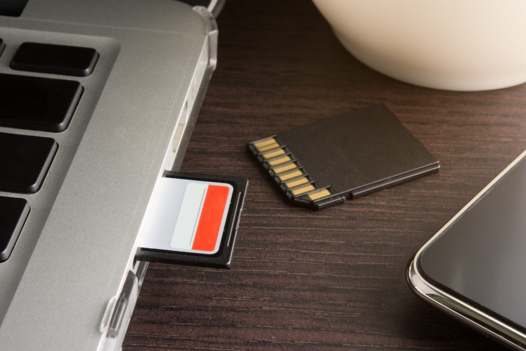 SD card inserted laptop