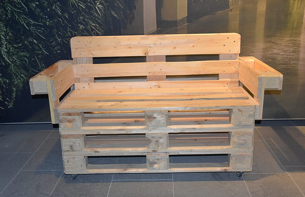 How To Diy Outdoor Storage Bench Storables