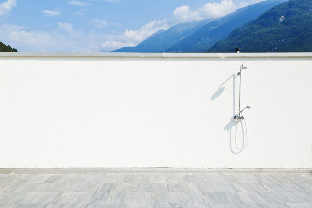Basic Outdoor Shower Ideas
