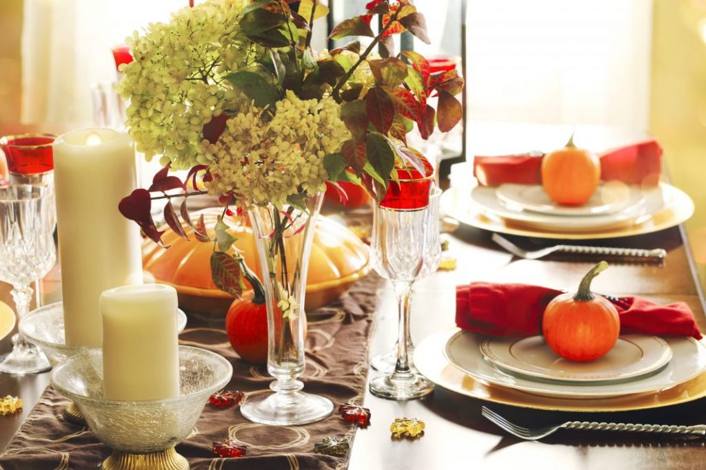 10 Best Thanksgiving Table Setting Ideas To Please Your Guests