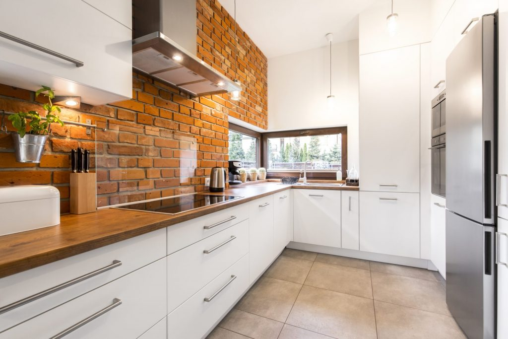 Blend Modern And Old With Red Bricks In Your English Kitchen