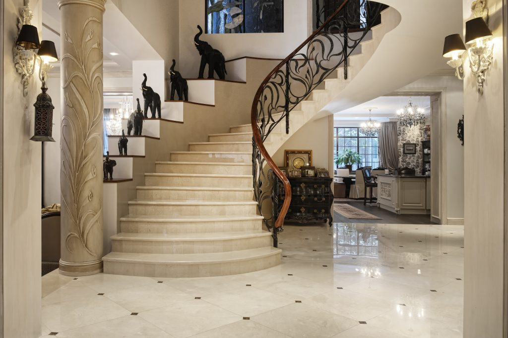 Go Artistic With Foyer Design
