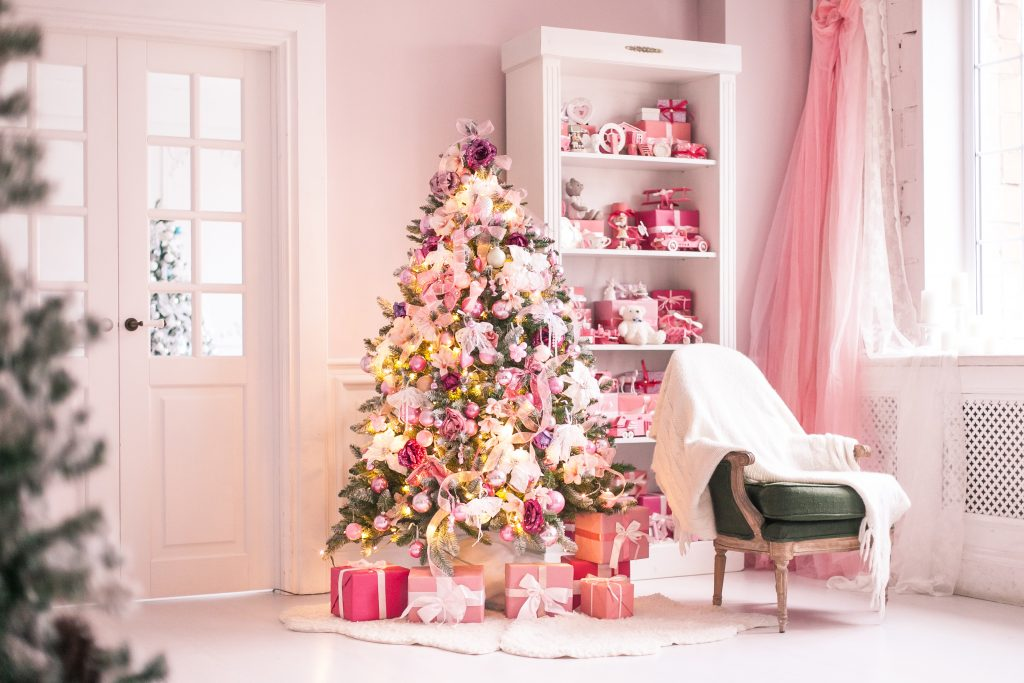 Style White Christmas Tree With Rose