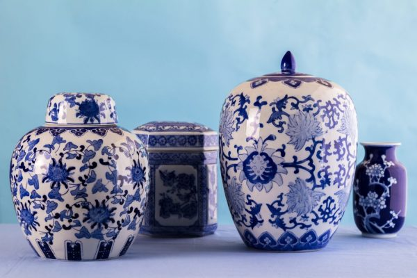 5 Lovely Blue And White Porcelains To Stock At Home
