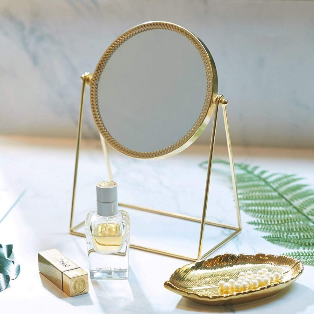 Top 10 Ways To Beautify Your Dressing Table