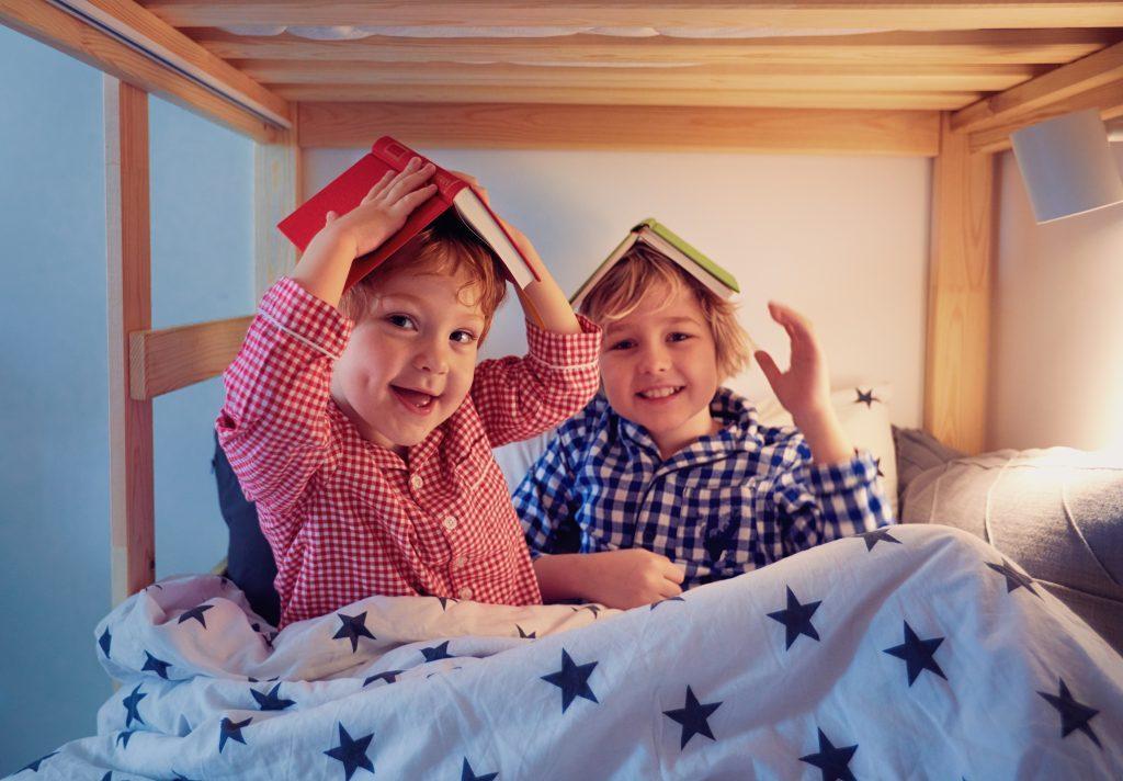 kids in bunk bed