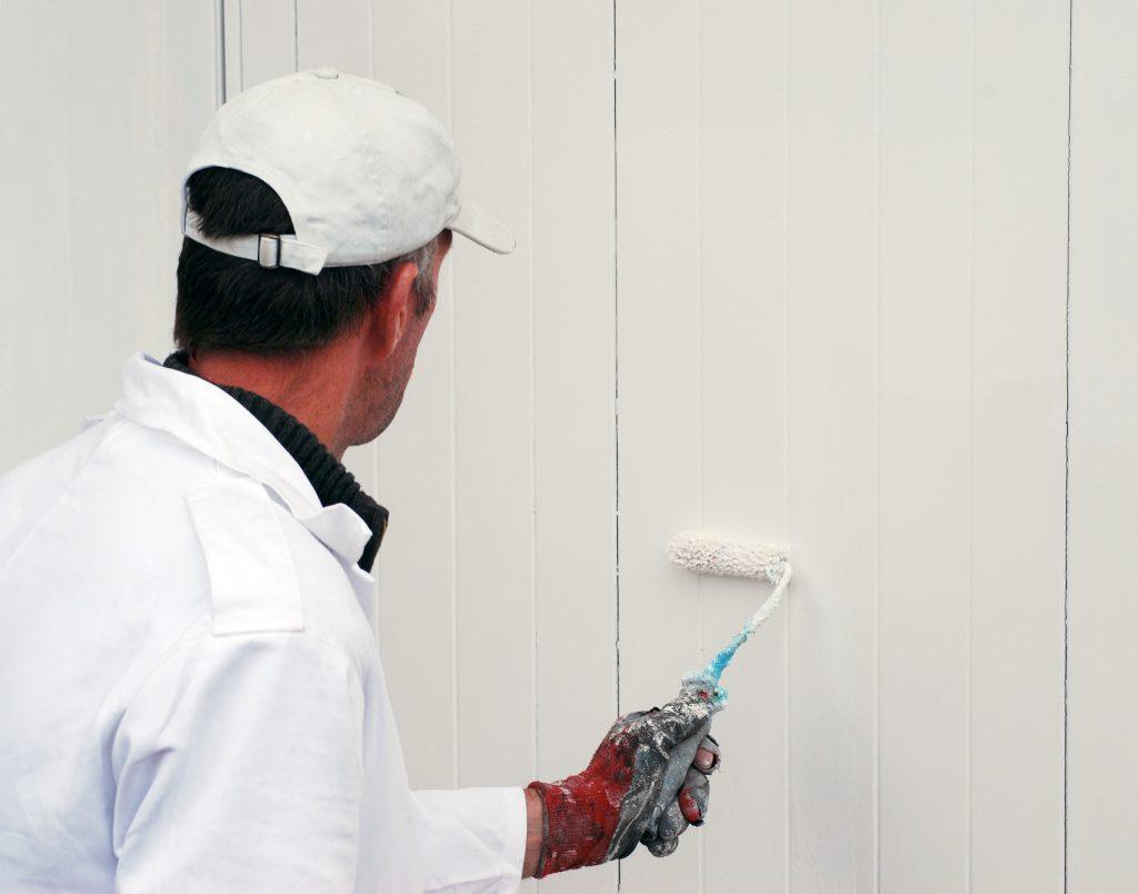 How To Paint A Garage Door: 12 Easy Steps