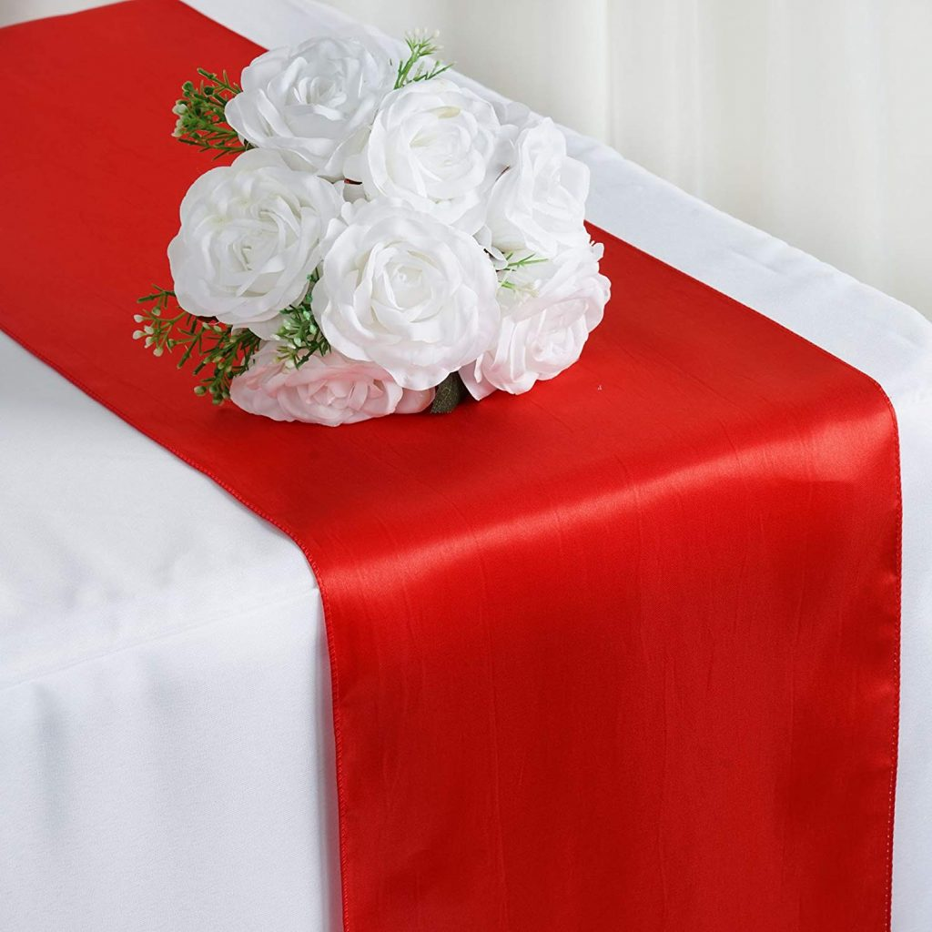 Picture of: 20 Table Runners For An Extra Elegant Christmas Dinner Storables