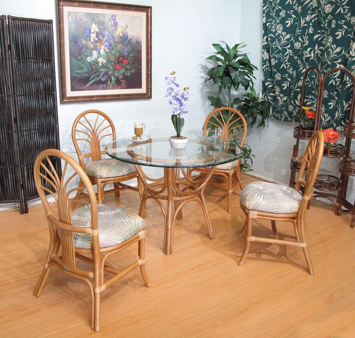 Rattan at dining room