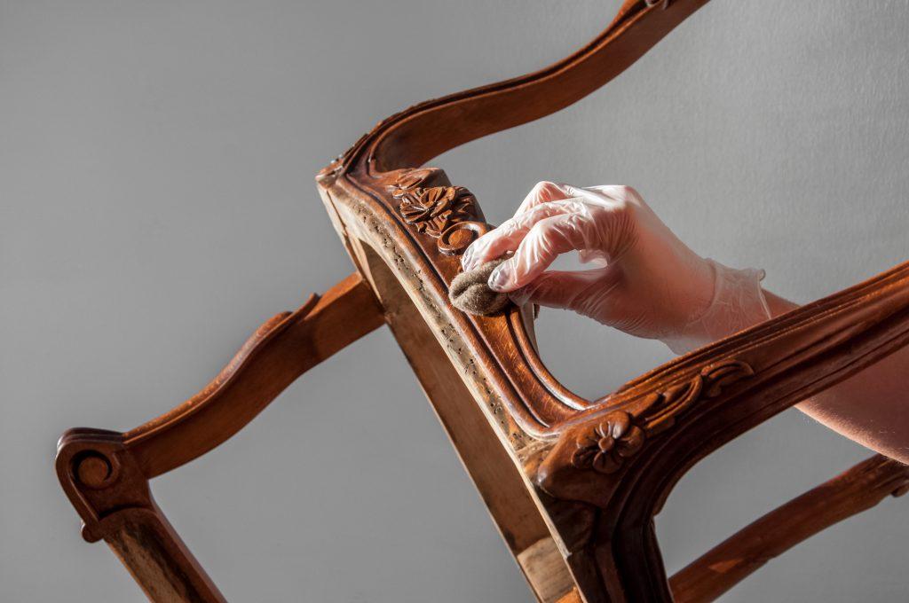 Furnishing furniture