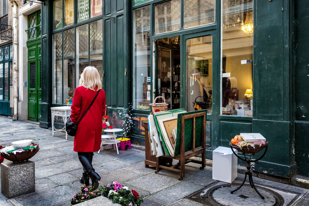 15 Best Furniture Thrift Stores Buying Tips To Know