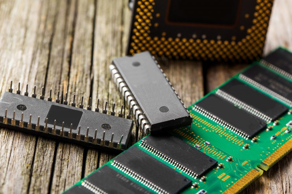 RAM Vs. ROM: 12 Major Differences To Know