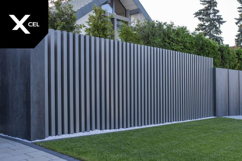 free standing iron slats fence