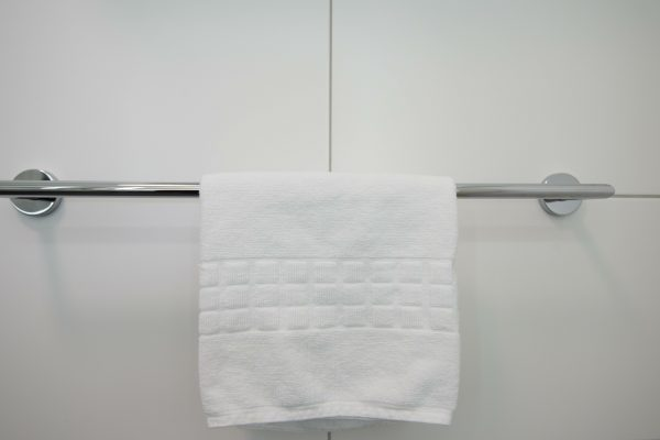 15 Best Towel Bars To Locate Your Towels Easily