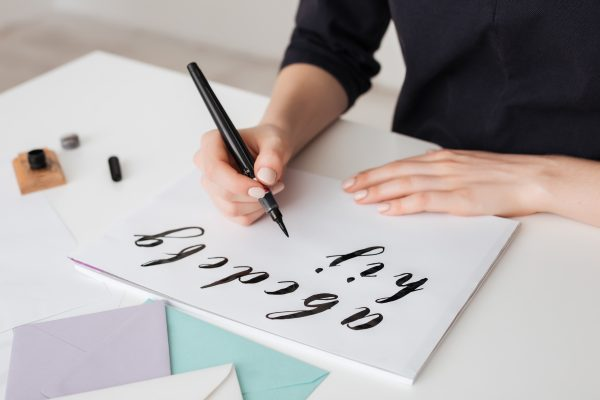 20 Calligraphy Pens For Exquisite Lettering