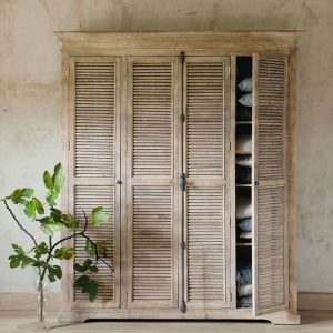 12 Artisan Free-Standing Closets for Your Small Spaces